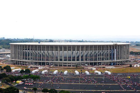 800px-Estádio_Nacional_de_Brasília