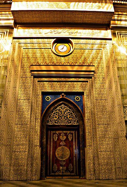 407px-The_Main_Door-Ramses_Station