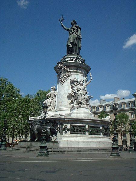 450px-Statue_place_République_Paris