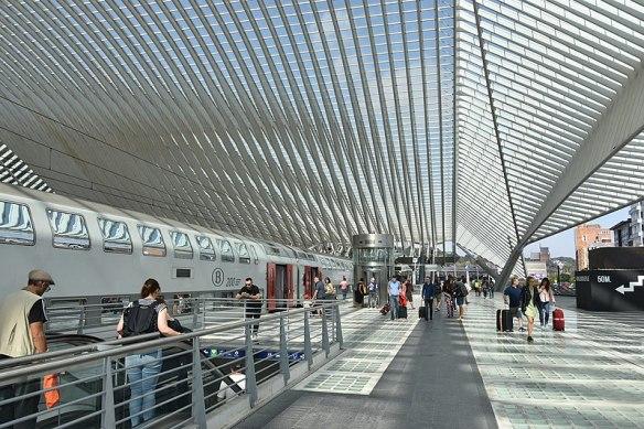800px-Station_Luik-Guillemins_23-08-2018_11-33-26