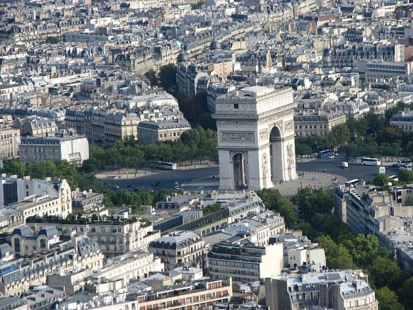 Place_Charles_de_Gaulle_from_air