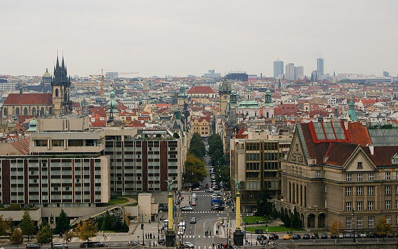 800px-City_of_Prague,_seen_from_a_hill