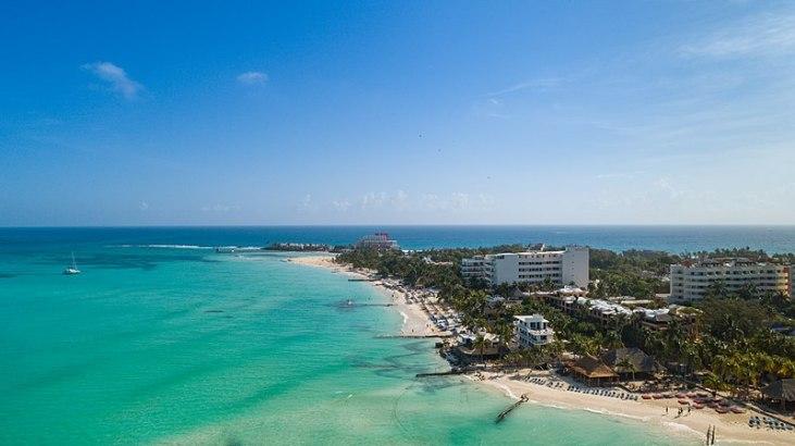800px-Playa_Norte_on_Isla_Mujeres_Mexico_(41791712940)