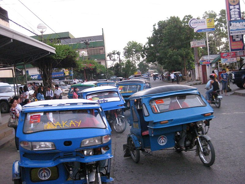 Puerto_Princesa_Tricycles_-_panoramio
