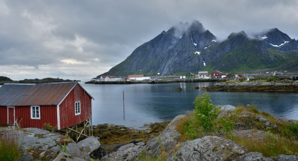 cloudy-lofoten-in-norway