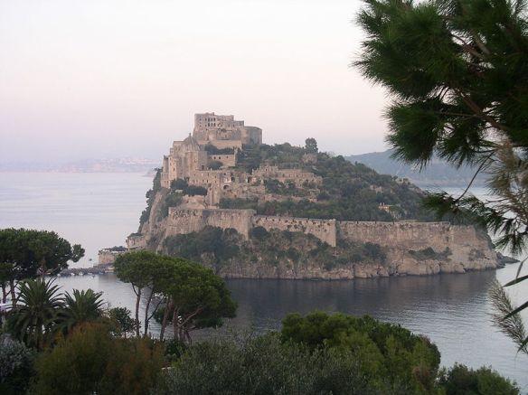 800px-Castello_Aragonese_of_Ischia