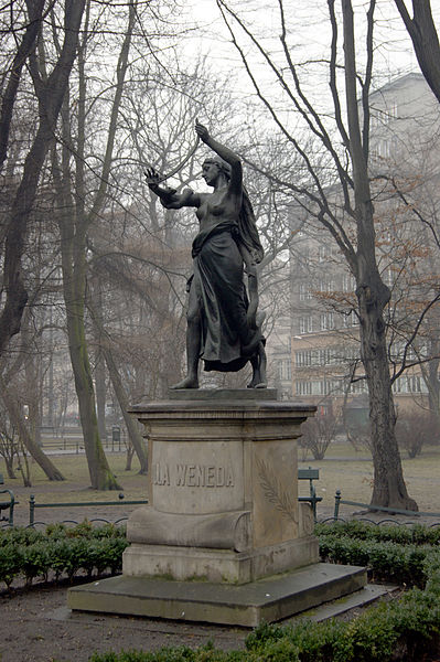 399px-Juliusz_Slowacki_Memorial_(Lilla_Weneda_monument),_1885_by_sculptor_Alfred_Daun,_Planty_Garden,_Old_Town,_Krakow,_Poland