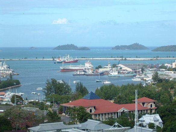 800px-Port-victoria_Seychelles