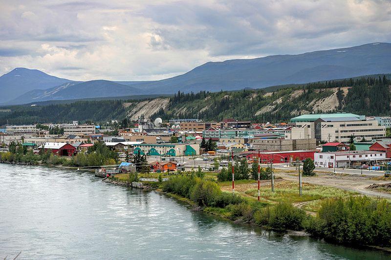 Yukon_River_at_Whitehorse_-b