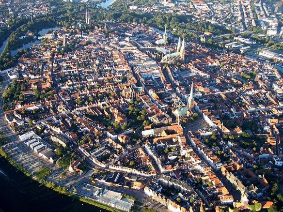 800px-Lubeck_panorama