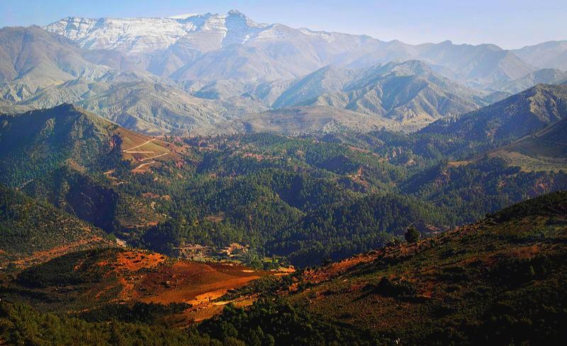 800px-Atlas_mountains