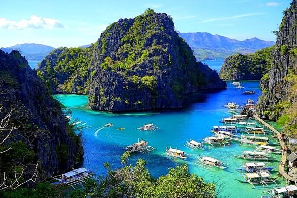 800px-Kayangan_Lake,_Coron_-_Palawan