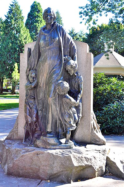 Vancouver,_WA_-_Esther_Short_Park_-_The_Pioneer_Mother_01