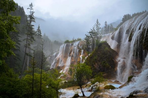 beautiful-waterfall-in-aba-china