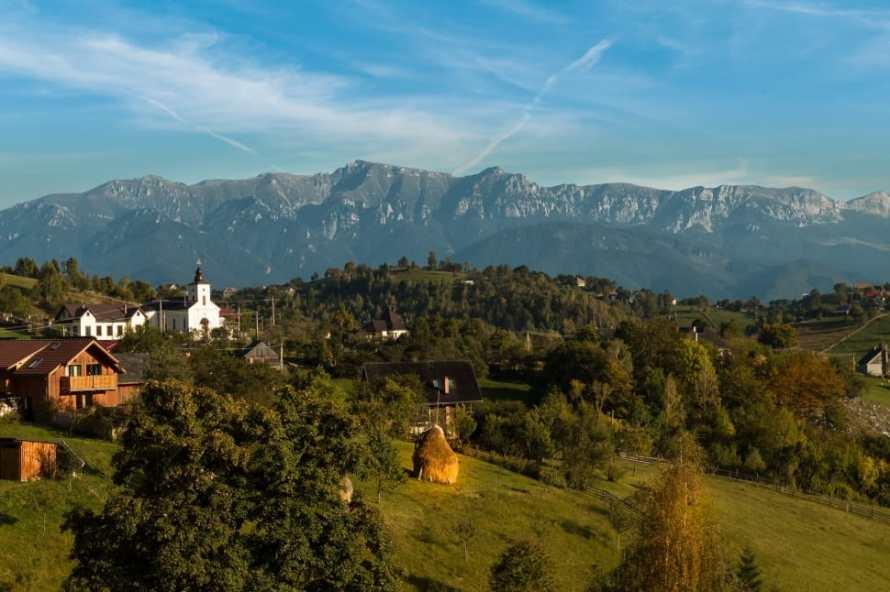 landscape-magura-village-romania-wallpaper-preview
